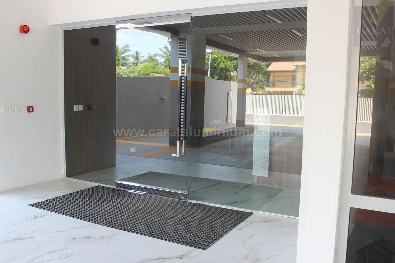 Frameless Glass Doors And Partitions Carat Aluminium