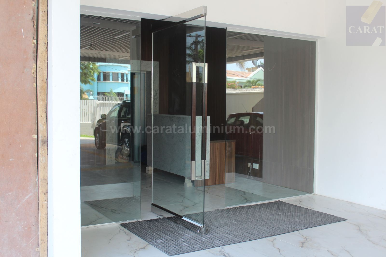 Frameless Glass Doors And Partitions Carat Aluminium And Building
